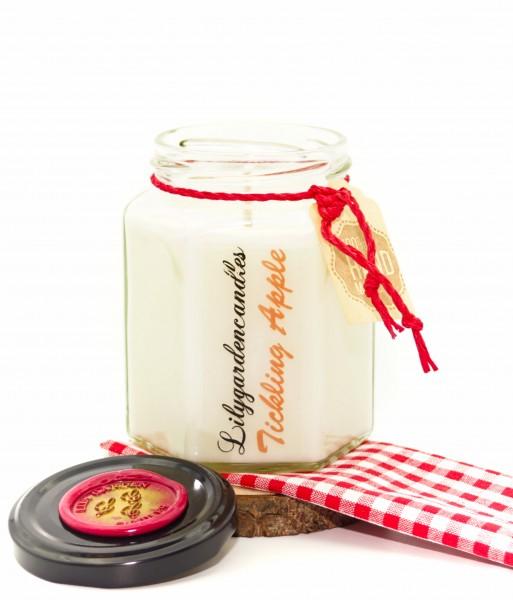 Tickling Apple Country House Jar medium