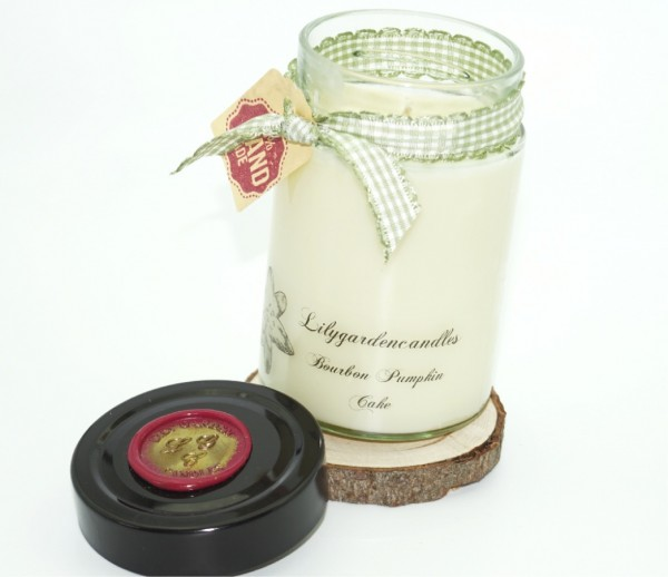 Bourbon Pumpkin Cake Lily Round Jar medium
