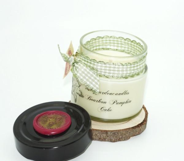 Bourbon Pumpkin Cake Lily Round Jar small